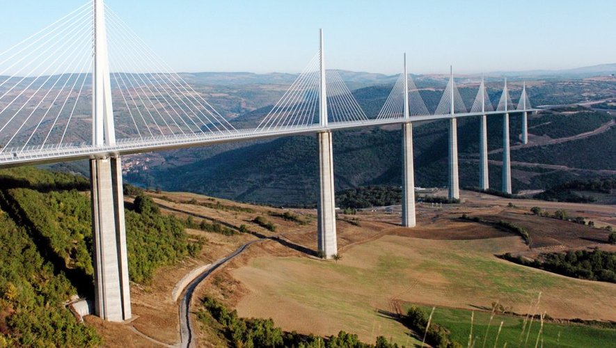 Viaduc de Millau (photo centre presse Aveyron)